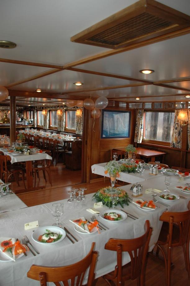 Wedding breakfast place settings