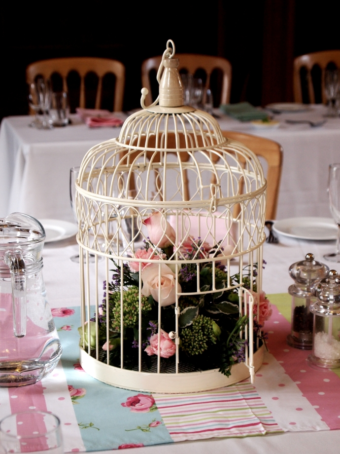 bird cage table decoration jaybird flowers. Black Bedroom Furniture Sets. Home Design Ideas