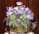 Floral topper for wedding cake